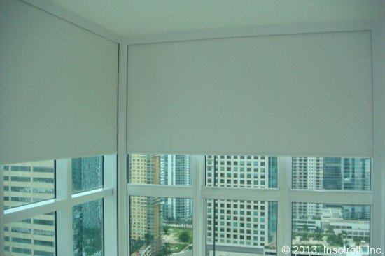 side channel guide for roller shades