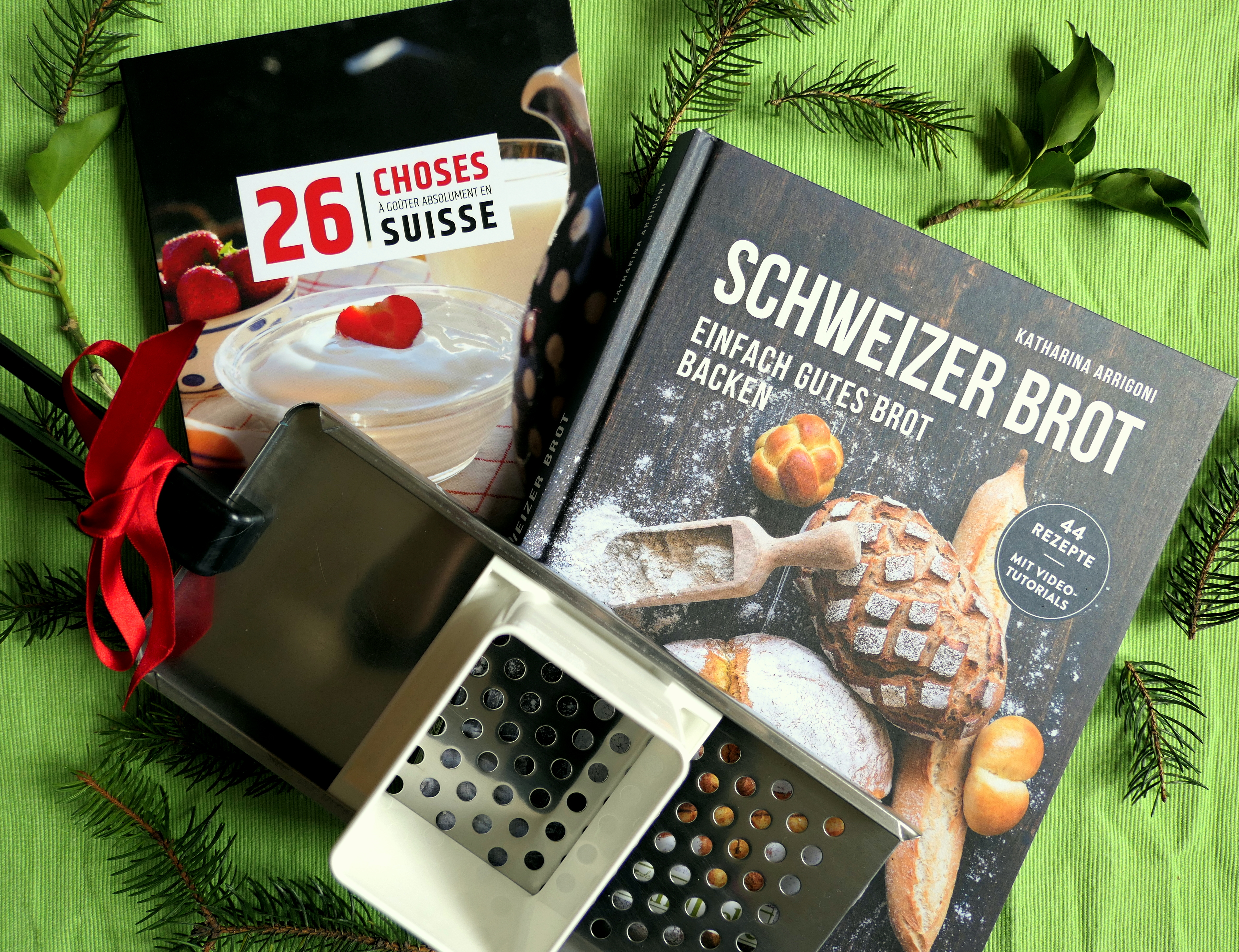 holiday gift guide 2017 for her